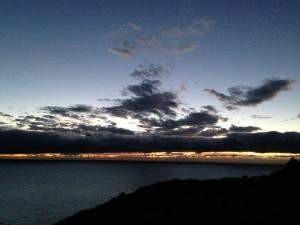 角力灘に沈む幻想的な夕日