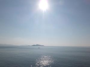 伊王島に降り注ぐ光