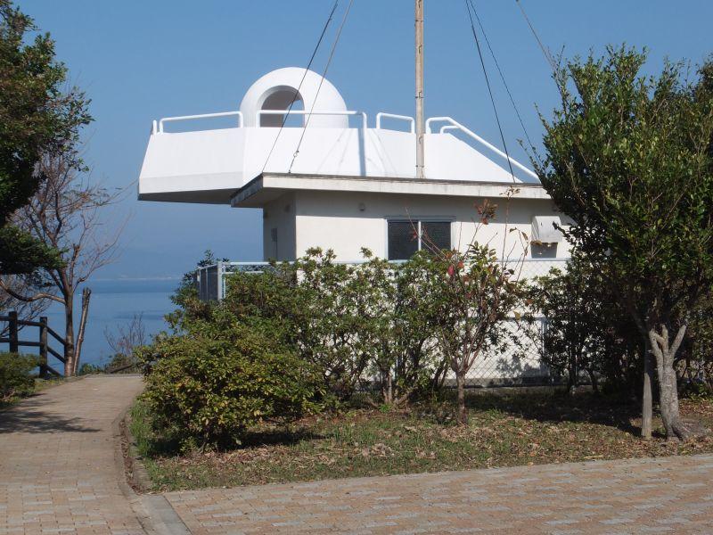 伊王島灯台よりもさらに突端につきだした展望台