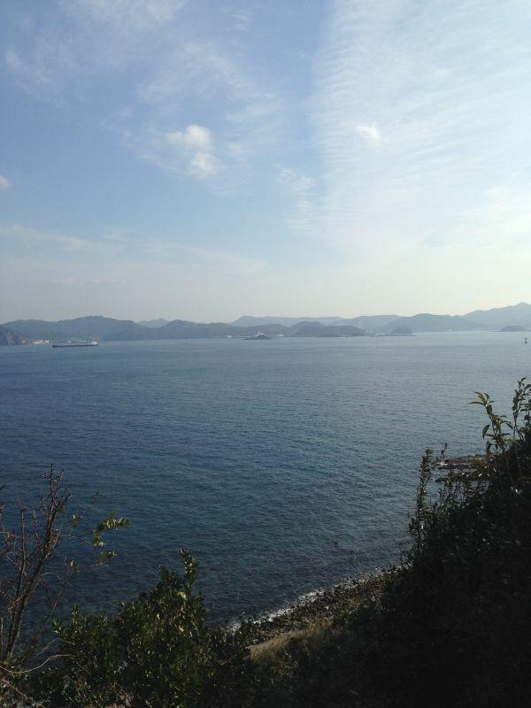 現在の伊王島灯台近辺から長崎湾を望む。
