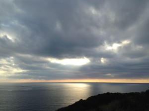 久しぶりに穏やかな夕暮れの海