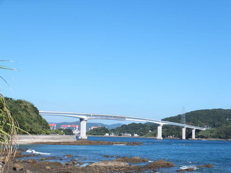 長崎本土と伊王島を結ぶ伊王島大橋