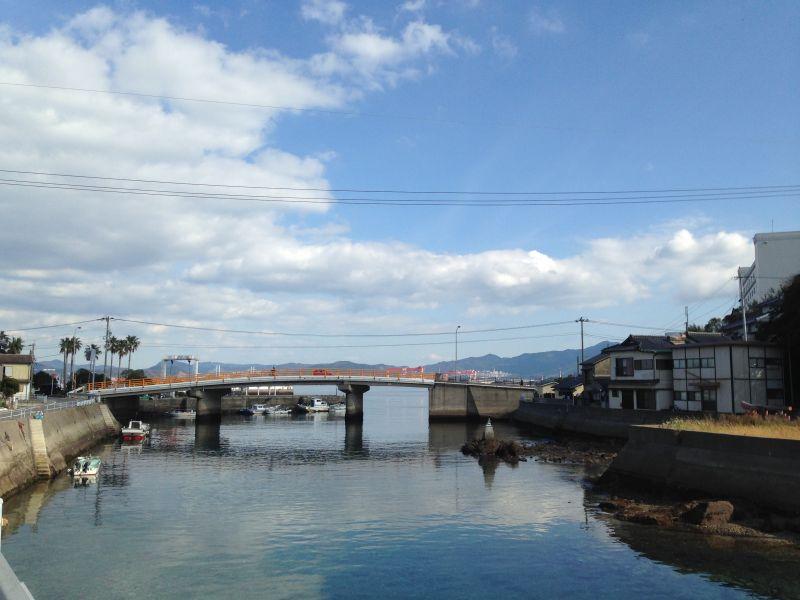 伊王島と沖之島を結ぶ賑橋