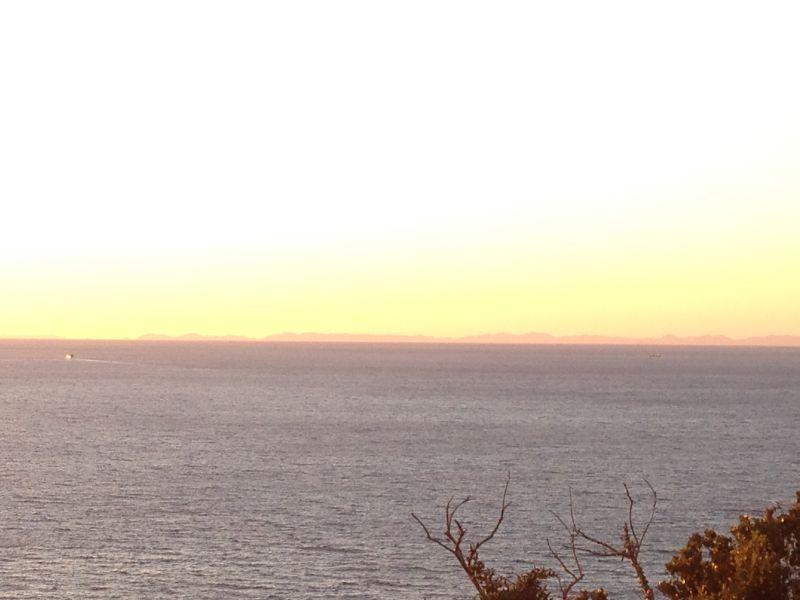 角力灘に浮かぶ五島列島